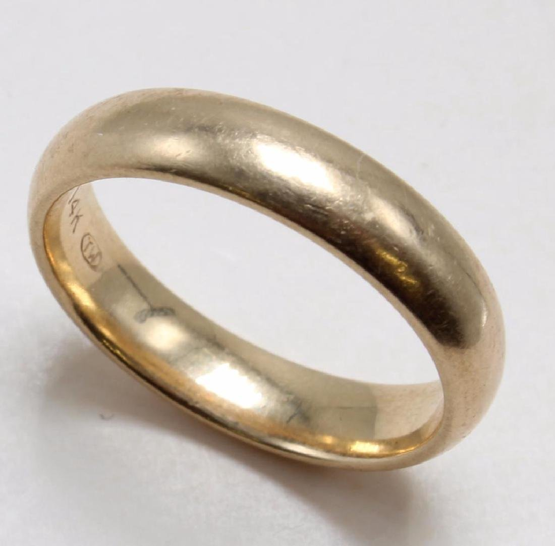 RING. 14K YELLOW GOLD WEDDING BAND. 4.1MM WIDE