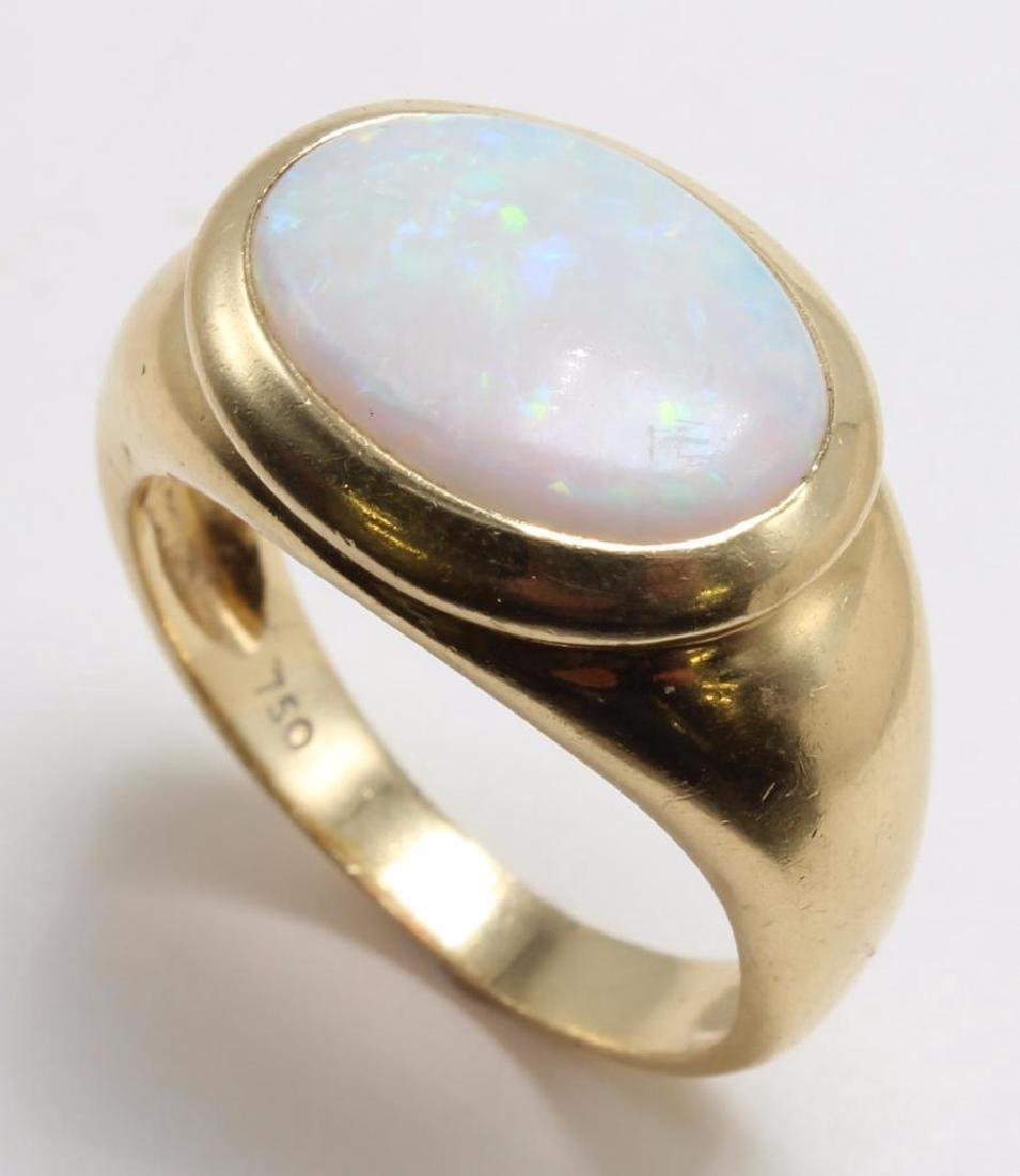 RING. OPAL. 18K YELLOW GOLD