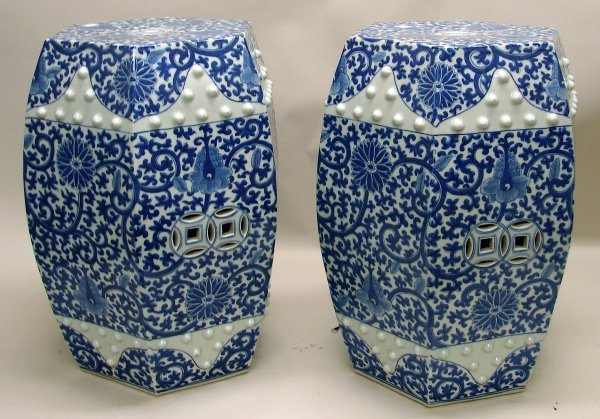 4018: Pair Chinese Porcelain Blue and White Garden Seat