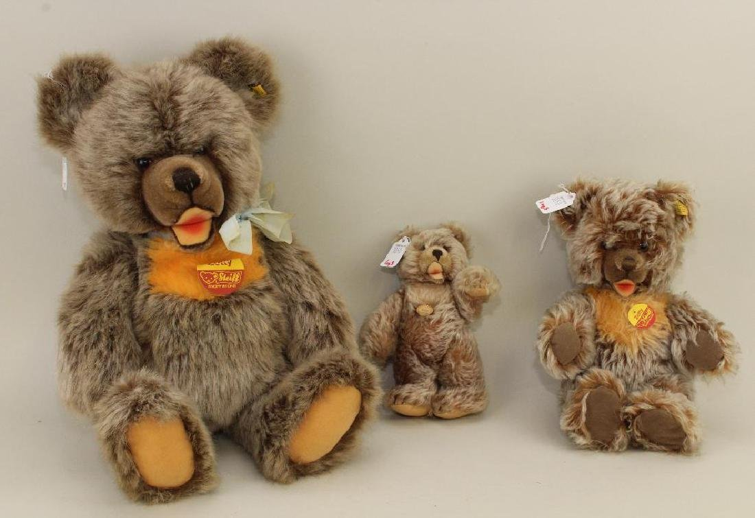 """LOT OF (3) TAGGED STEIFF ZOTTY BEARS: 8"""", 11"""", 21""""."""