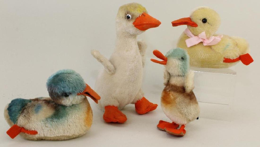 LOT OF (4) STEIFF DUCKS.