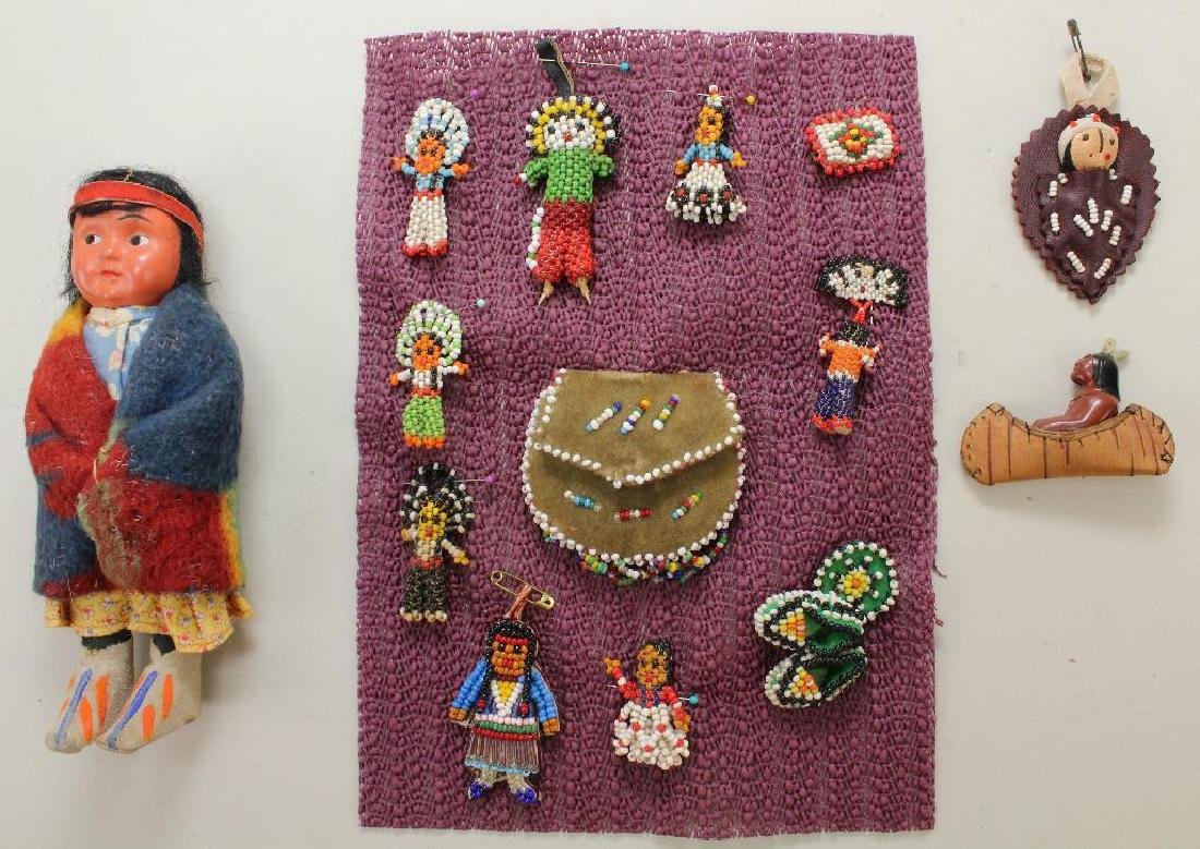 LOT OF NATIVE AMERICAN DOLLS, BEADED iITEMS.