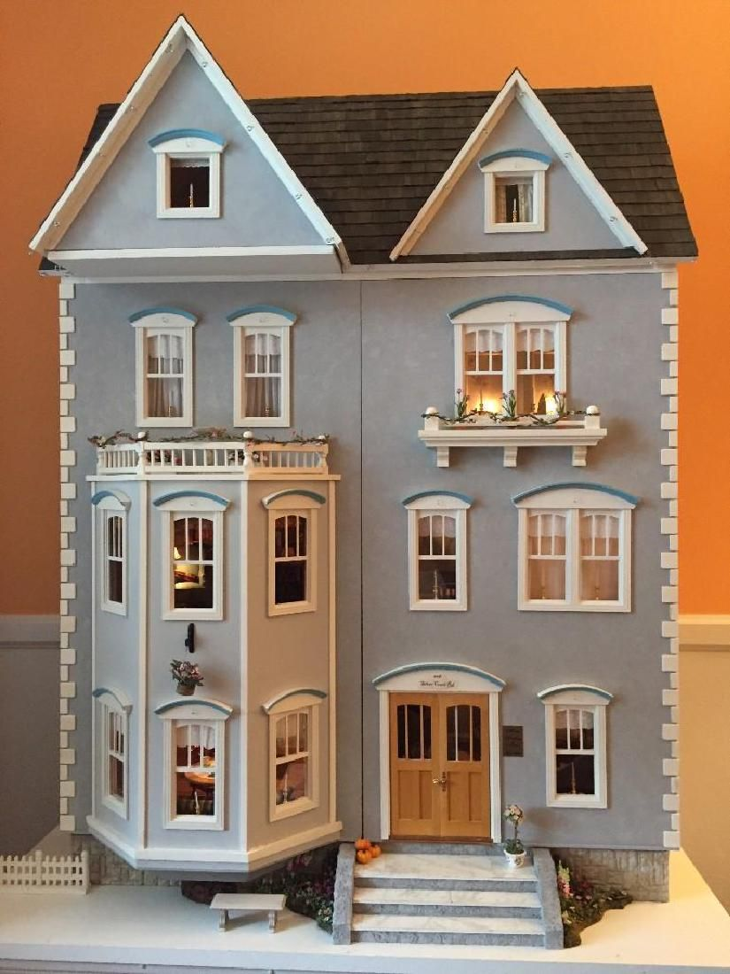 CONTEMPORARY DOLLHOUSE, FULLY FURNISHED AND