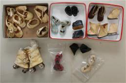 LOT OF VINTAGE DOLL SHOES.