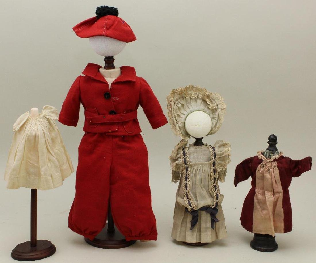 LOT OF ANTIQUE DOLL CLOTHES.