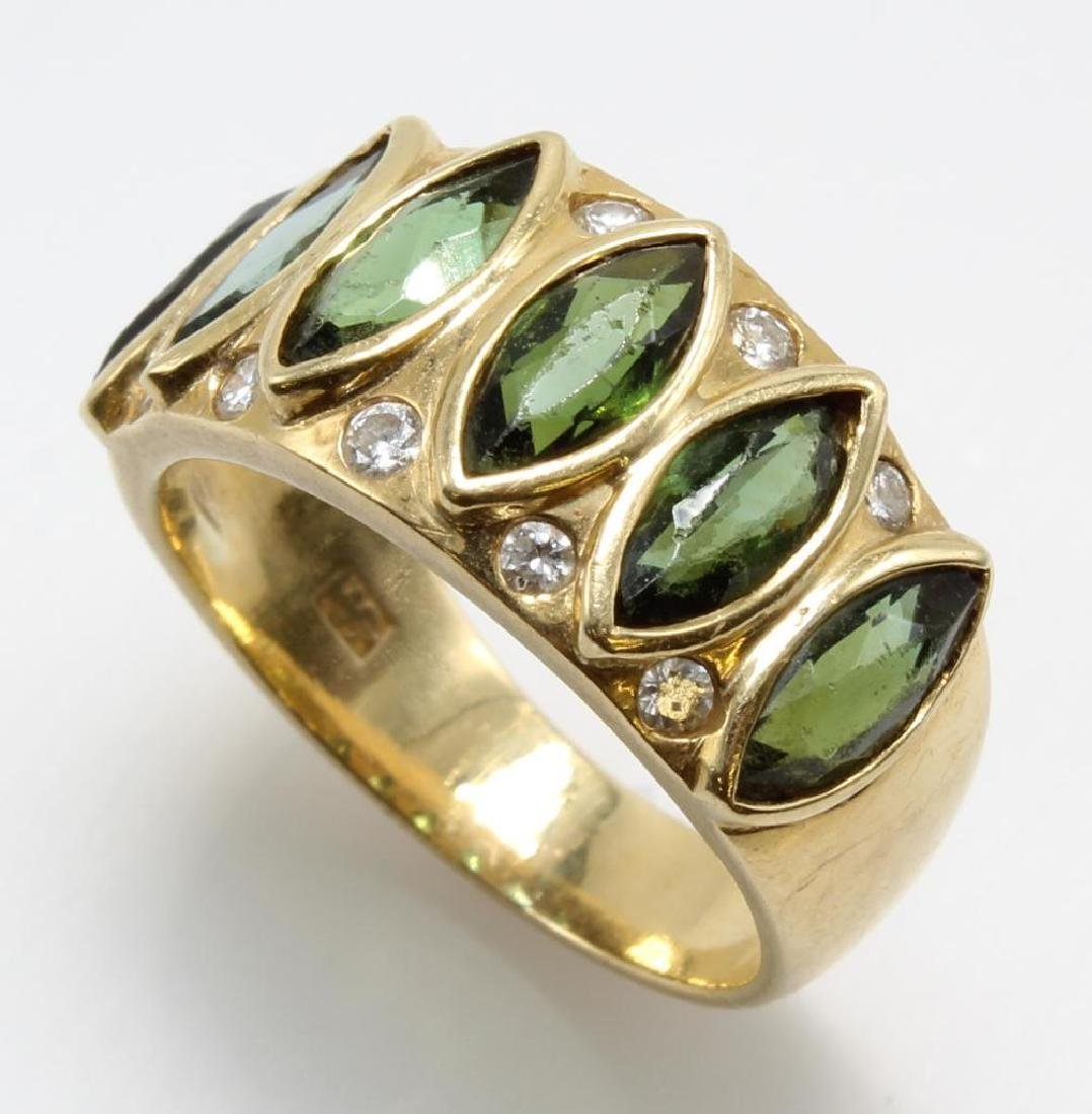 Ring. Green Tourmaline and Diamond. 18K Yellow Gold