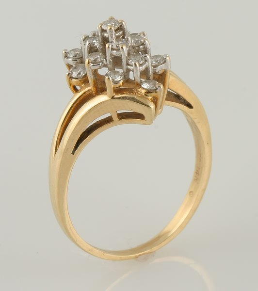 3254: Diamond Cluster Ring