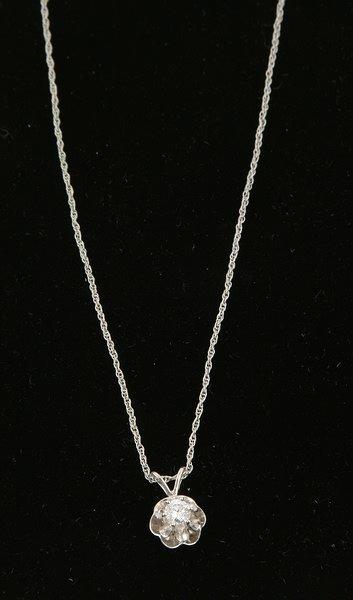 3257: Diamond Pendant