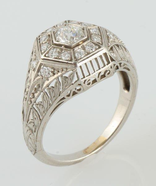 3261: Diamond RIng