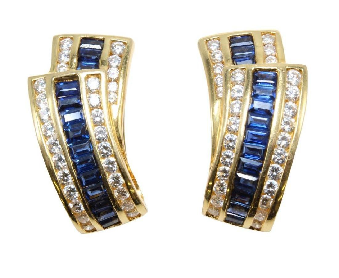 18K Yellow Gold Earrings with Blue Sapphires and