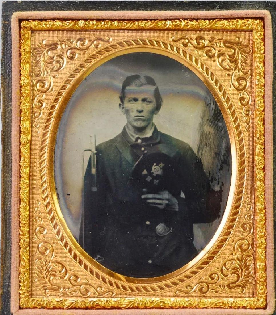 Civil War Ambrotype of Private Warren Howe-11th New