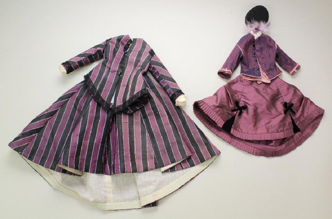 LOT OF ANTIQUE/REPRODUCTION DOLL CLOTHING. - 2
