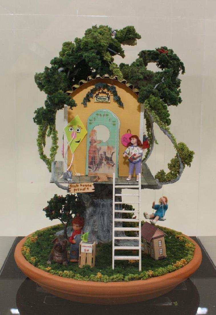 """MINIATURE TREE GIRL'S """"KLUB"""" HOUSE: FULLY FURNISHED. - 2"""