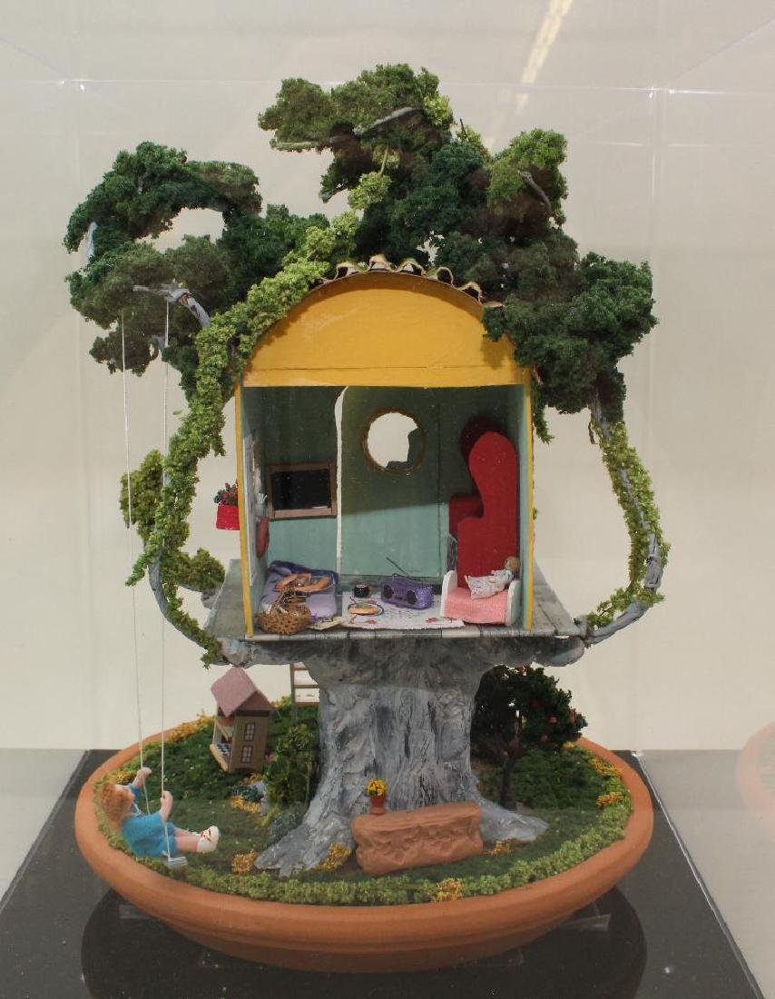 """MINIATURE TREE GIRL'S """"KLUB"""" HOUSE: FULLY FURNISHED. - 4"""
