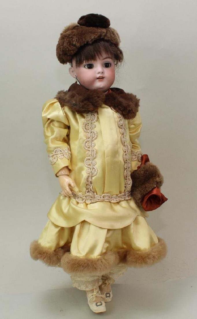 "19"" SH 1079-9 DEP ANTIQUE BISQUE HEAD DOLL."