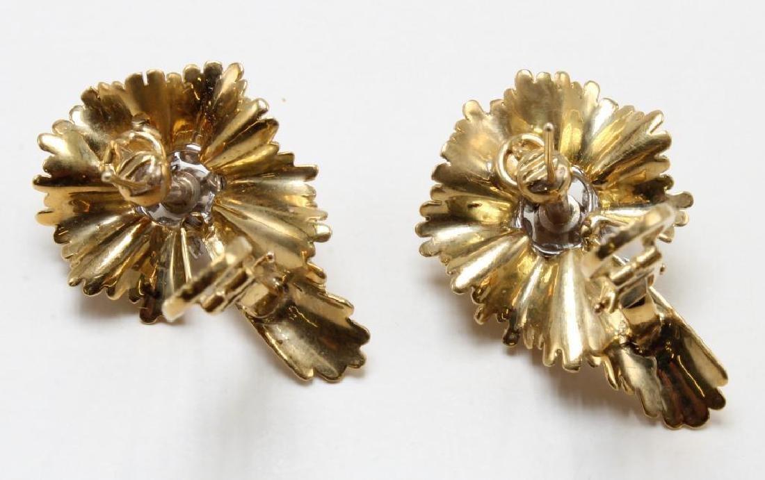 Earrings. Emerald and Diamond. 18K Yellow Gold - 3