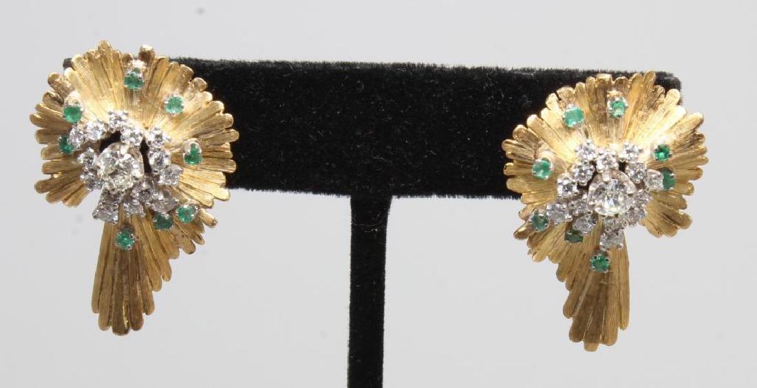 Earrings. Emerald and Diamond. 18K Yellow Gold - 4