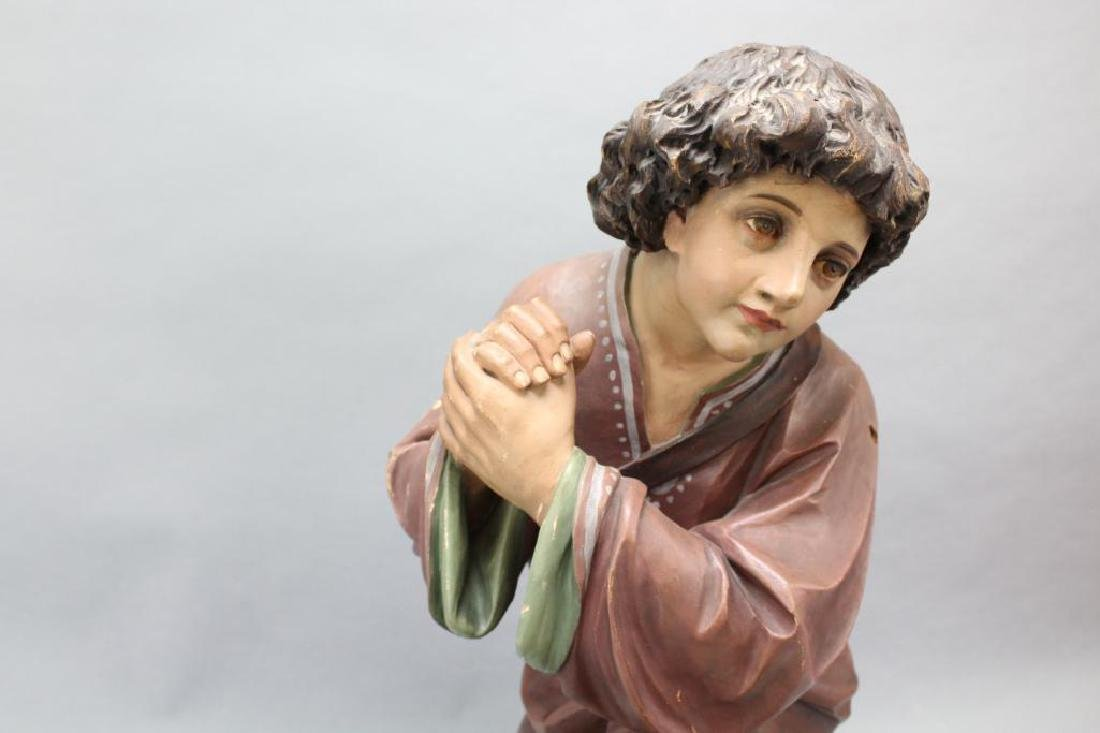 Kneeling Statue - 2