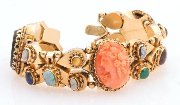 3260: Cameo Slide Bracelet