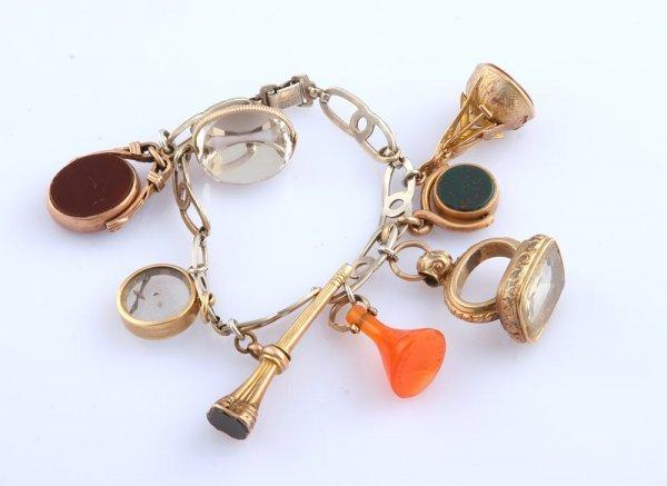 3250: Charm Bracelet