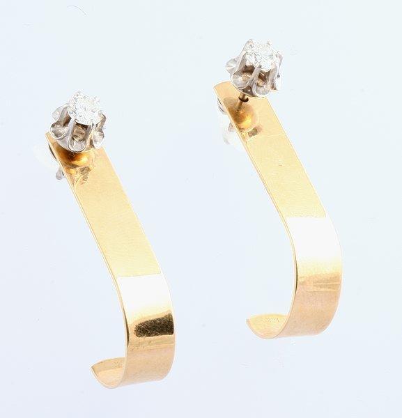 3259: Diamond Earrings