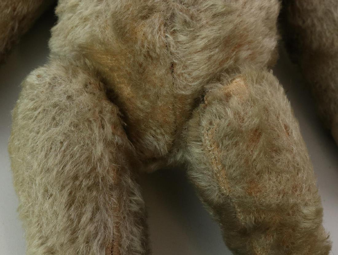 """17"""" UNMARKED ANTIQUE MOHAIR TEDDY BEAR. - 8"""