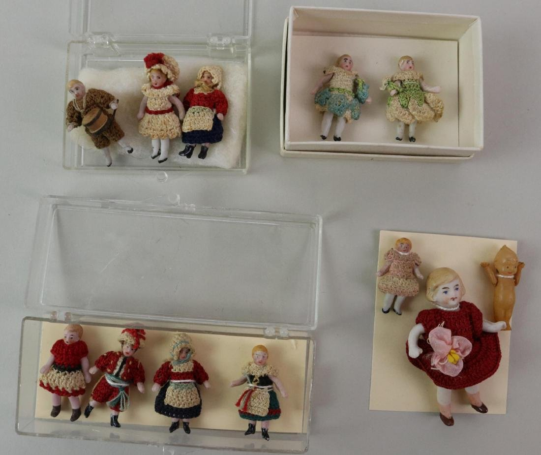 LOT OF MINIATURES/DOLLS. - 2