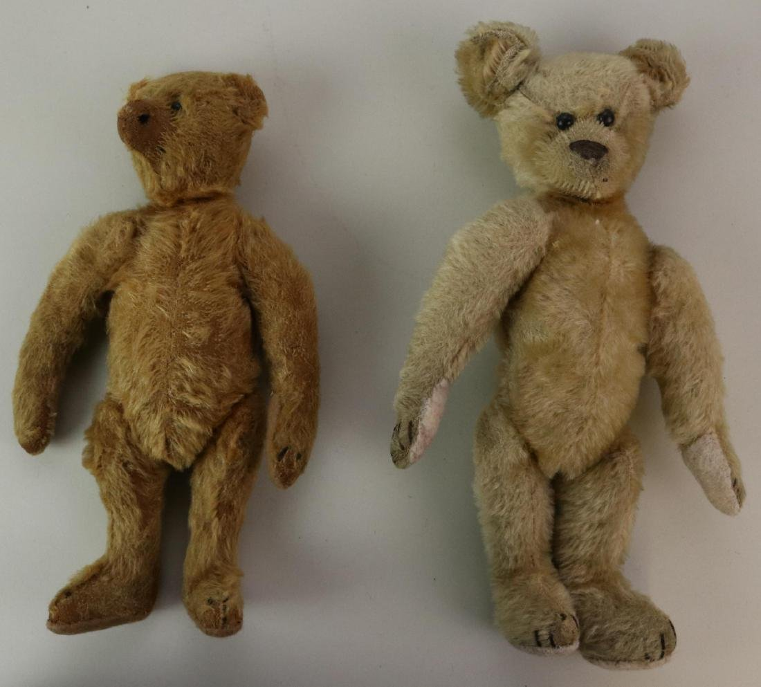 PAIR OF UNMARKED ANTIQUE MOHAIR TEDDY BEARS.