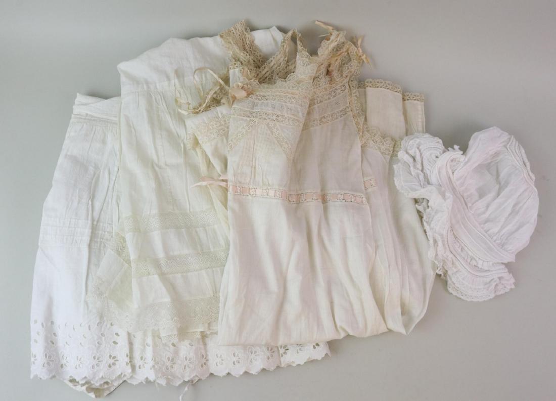 ANTIQUE/VINTAGE LADIES' CLOTHING.