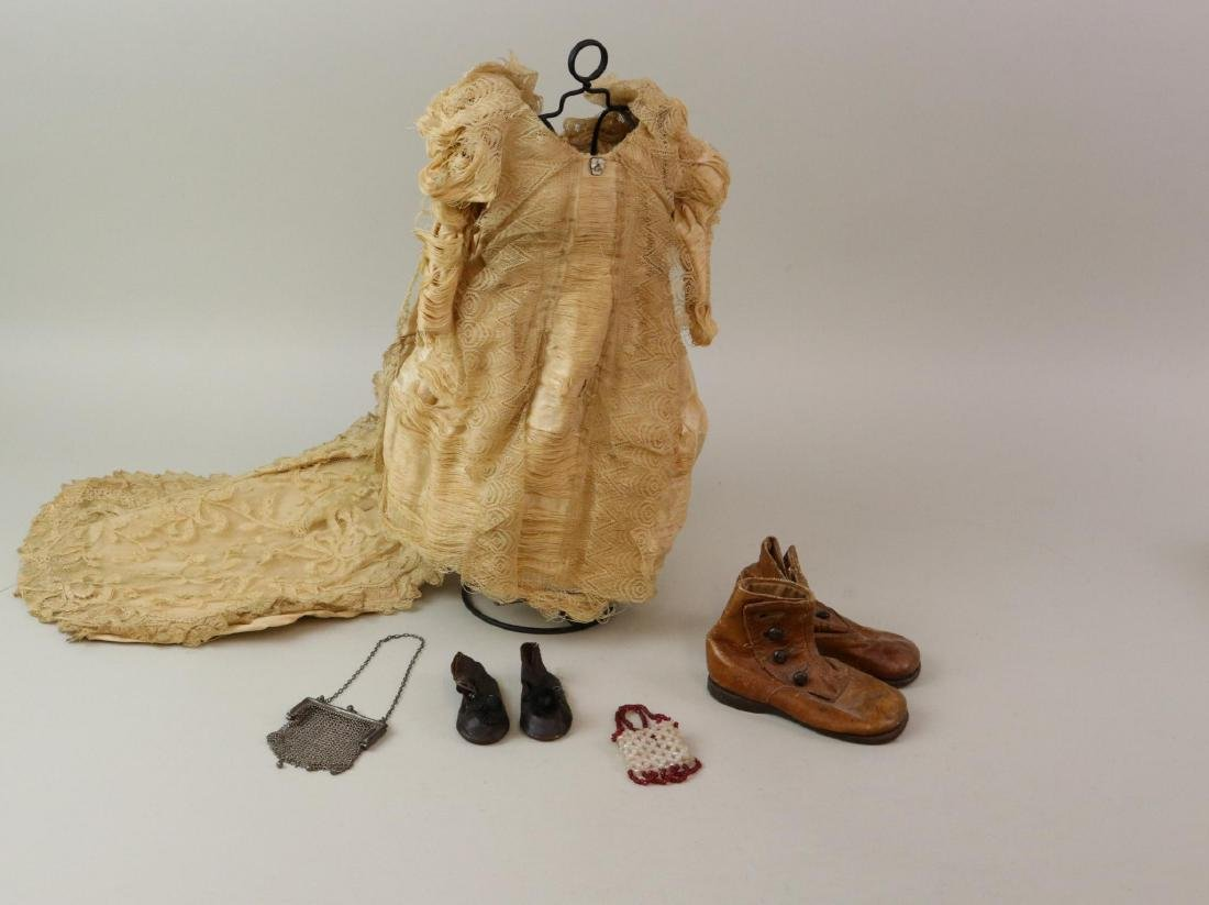 ANTIQUE/VINTAGE DOLL  CLOTHING & ACCESSORIES.