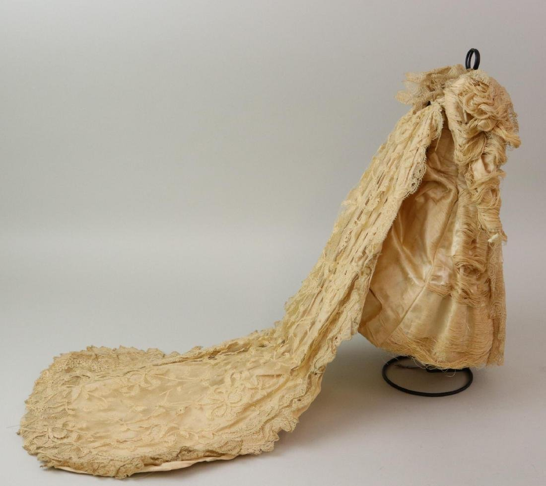 ANTIQUE/VINTAGE DOLL  CLOTHING & ACCESSORIES. - 2