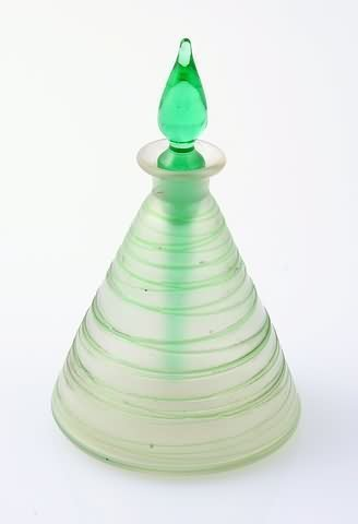 1014: Steuben Verre de Soie Perfume Bottle