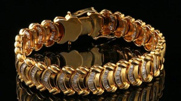 2290: Diamond Bracelet