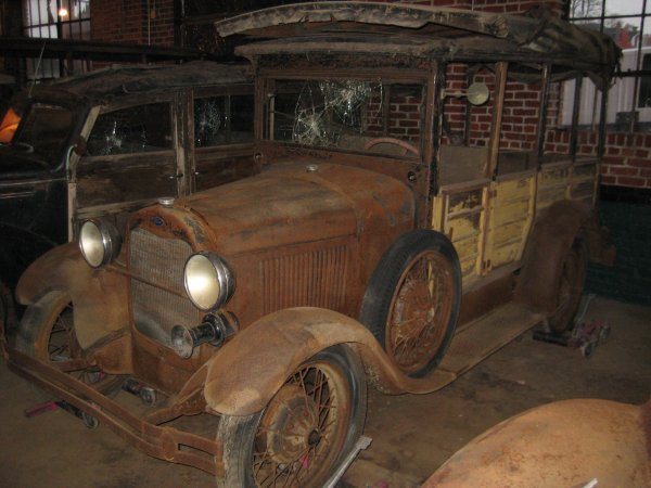 20: 1929 FORD MODEL A WOODY WAGON