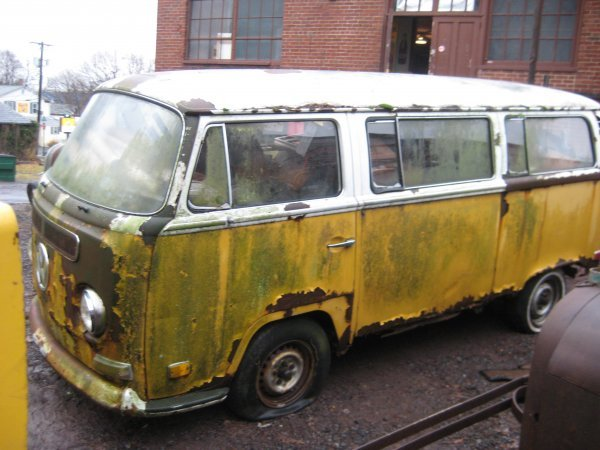 22: VOLKWAGON BUS (1970's)