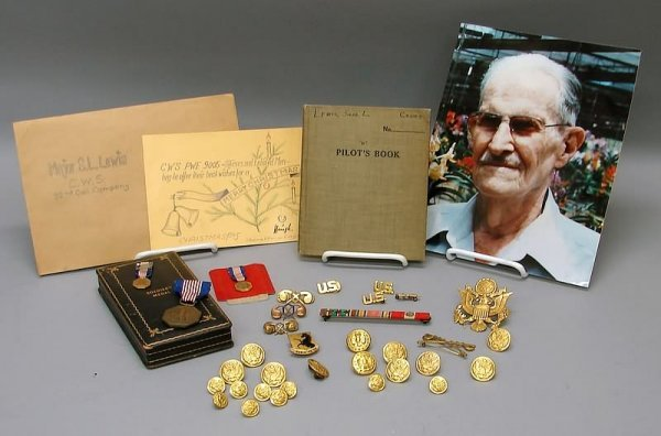 2027: Grouping of American WWII items-Medal, Insignia &
