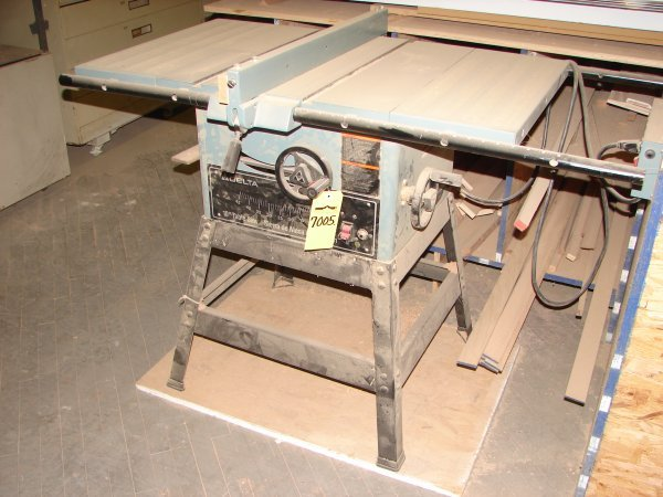"""7005: Delta 10"""" Table Saw"""