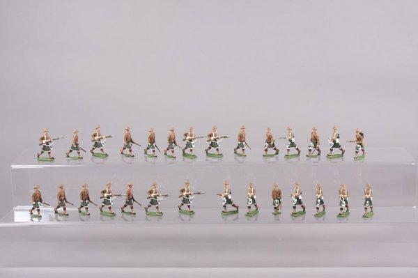 2005: Military Miniatures
