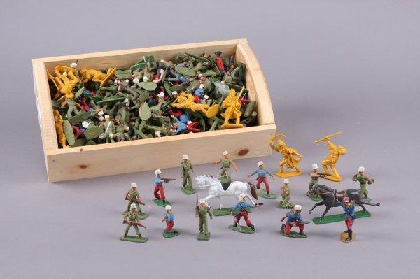 2013: Military Miniatures