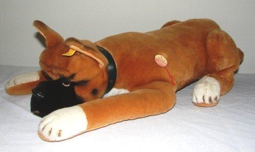 7009: Original Steiff Hector Boxer Dog