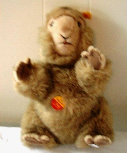 7010: Original Steiff Molly Piff Squirrel