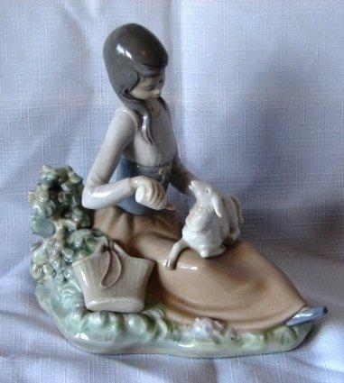 7016: Lladro Figure - L#1312 - Little Bo Peep