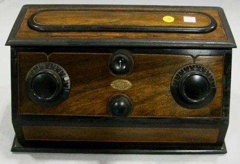 1008: Crosley 4-29 Radio Receiver