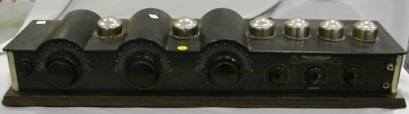 1015: 1927 Model Neutrowound Radio Receiver