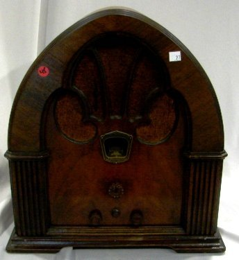 1027: Philco, Model 90, Cathedral Table Top Radio