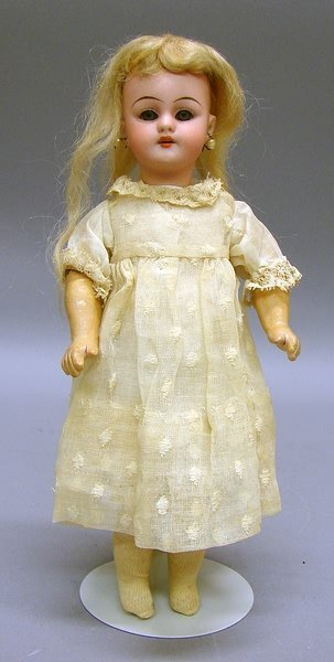 "5006: 9"" 1079 DEP S&H Bisque Doll"