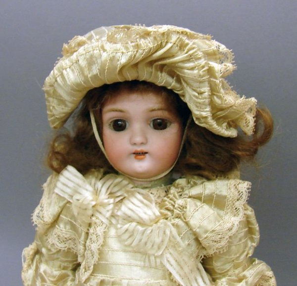 "5013: 13"" 1079 Germany HALBIG S & H 4 Doll"