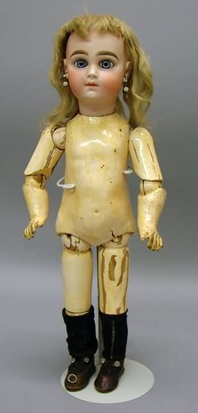 "5022: 16.5"" W.D. 9 CLOSED MOUTH Doll"