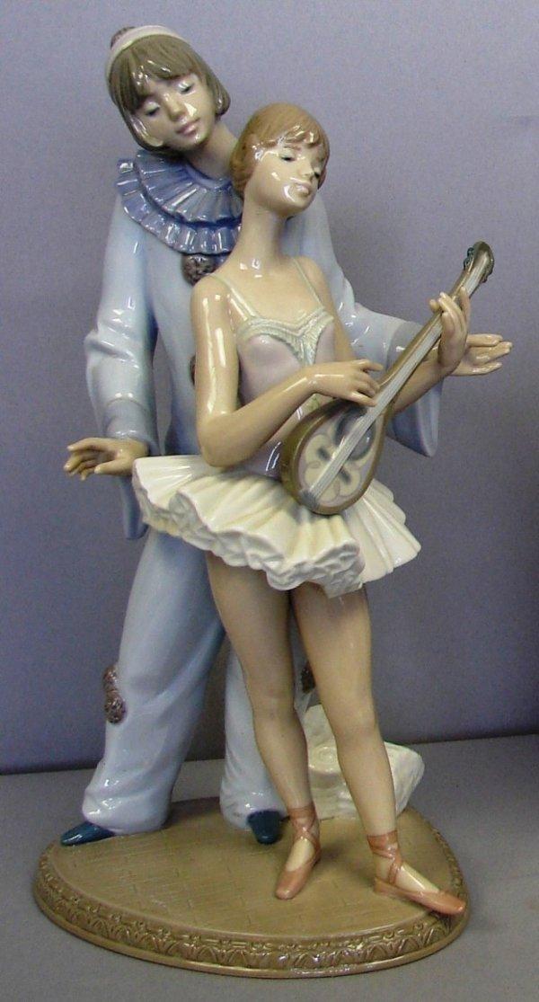 "8801: Lladro Fig-Minstrel's Love #G5821, 12.25"" Retired"