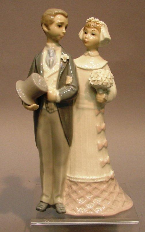 "8803: Lladro Figure-Wedding #G4808, 7.75"""